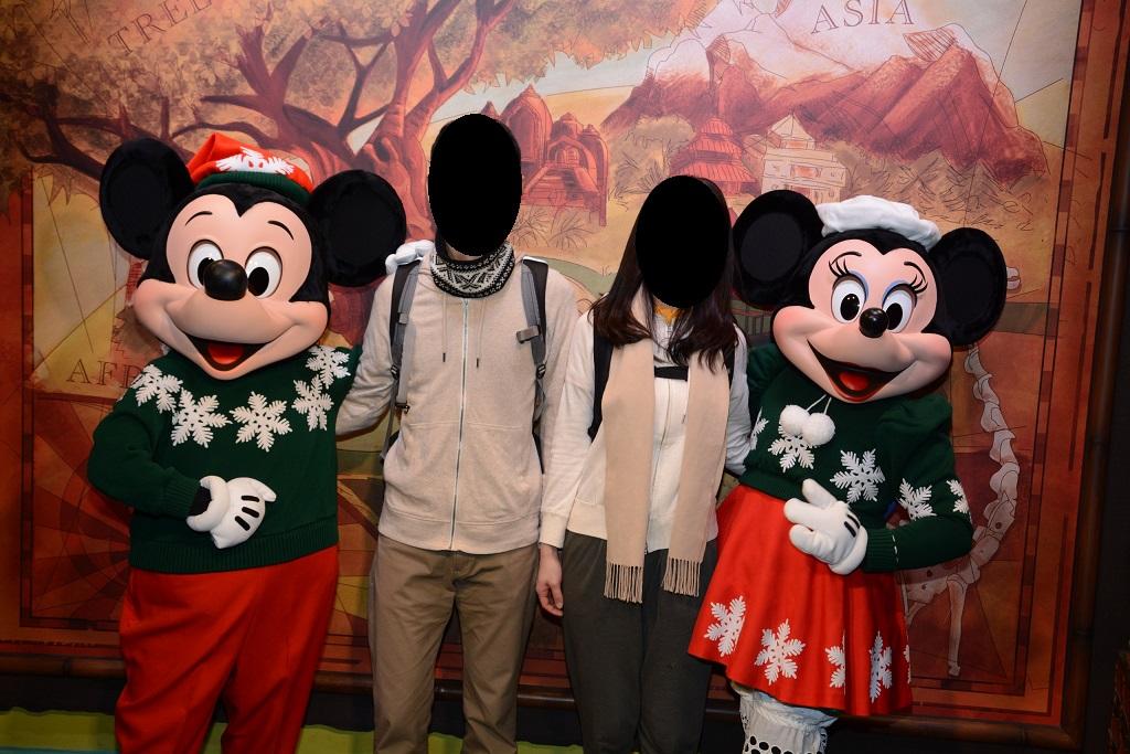 WDW旅行記 82 クリスマスの衣装を着たミッキーとミニーとのグリーティング